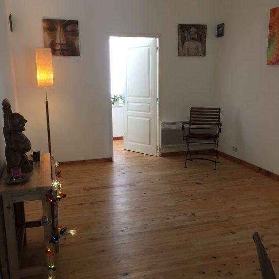 Espace Laouen, la salle de 23 m2, l'acceuil du boudha joyeux