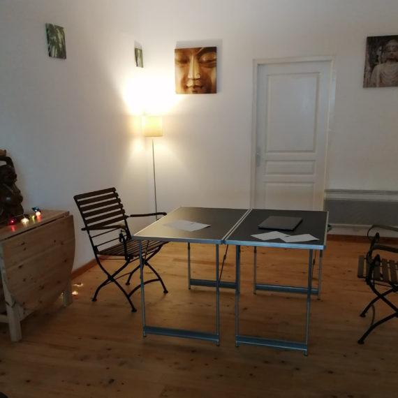 Espace Laouen, possibilité de rajouter 4 tables, (2 sur la photo)